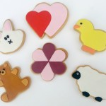 Decorating Biscuits with Sugarpaste